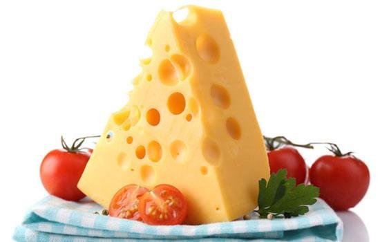 加拿大研究:吃奶酪有助于控制血糖水平。