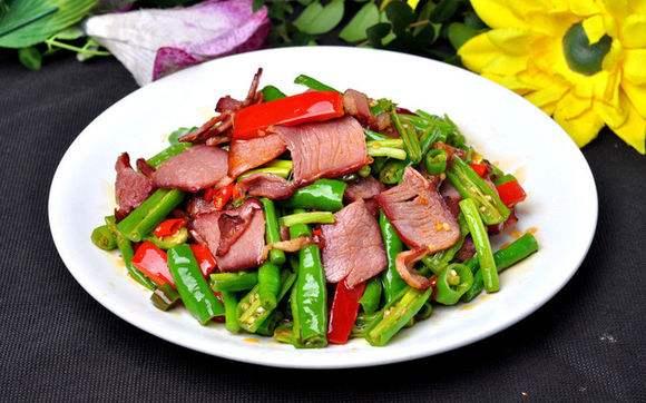 家常菜:酸椒藕尖炒腊肉