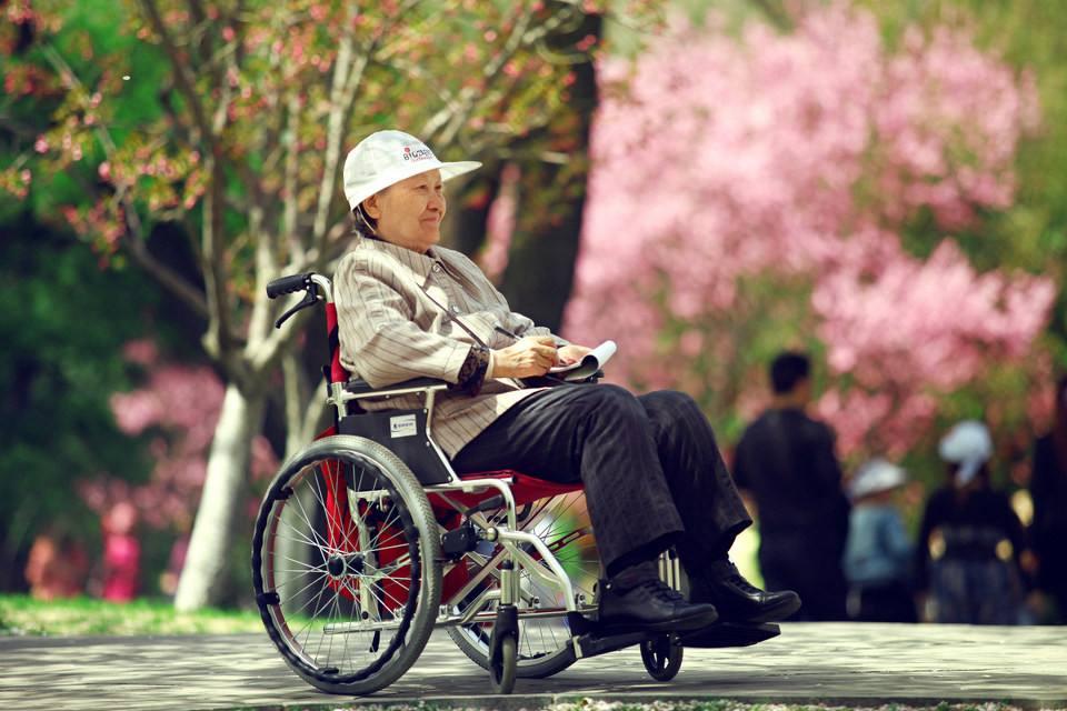 老人多换坐姿,可提升记忆力