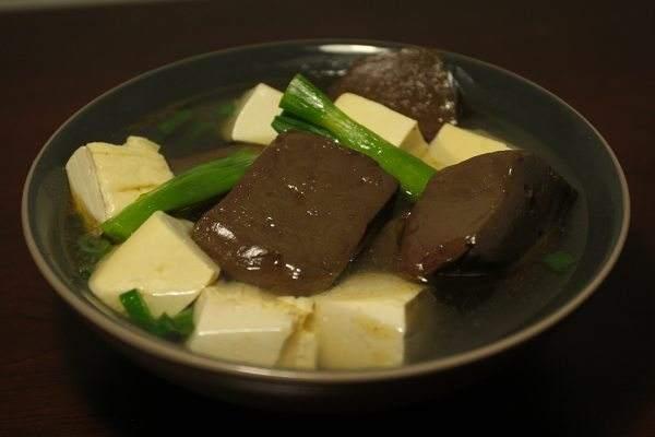 补血升阳,就喝豆腐豆芽猪红汤