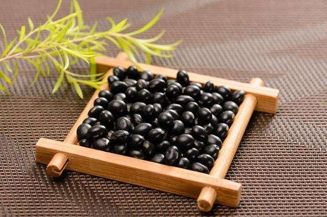 黑豆发芽后,蛋白质更易吸收