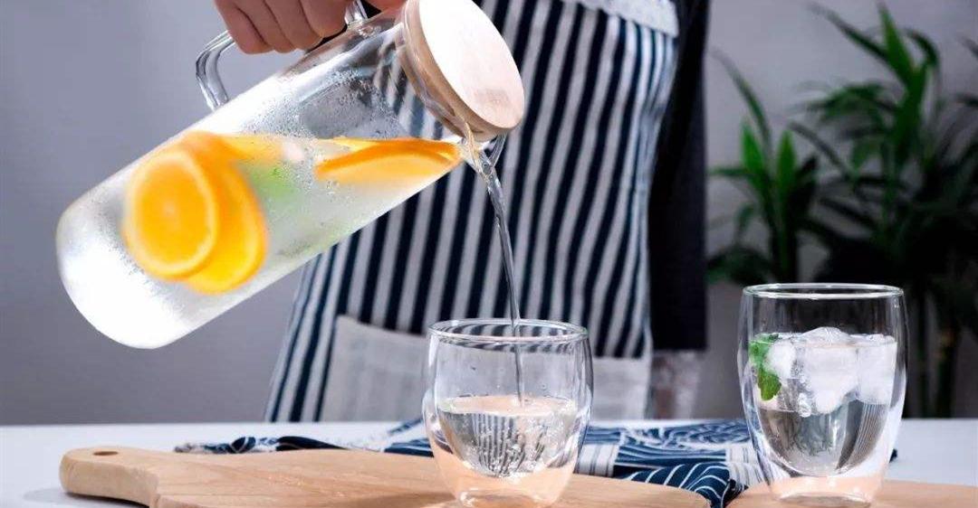 晨起一杯水,到老不后悔;晨起如何正确喝水?