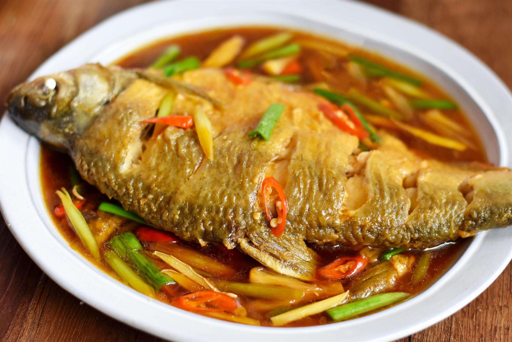 黄花菜荸荠煲鳊鱼,疏肝健脾、滋阴养肝