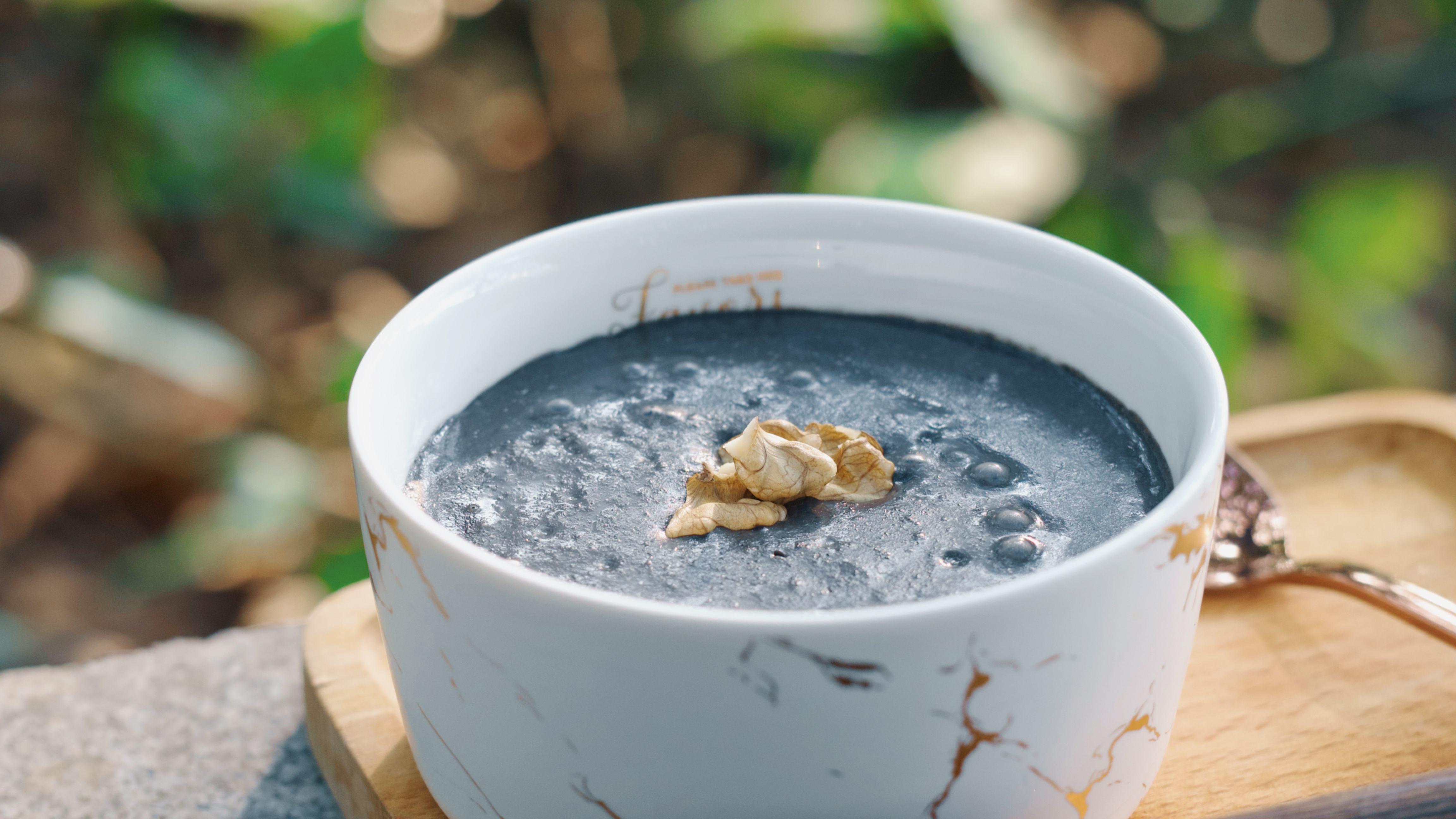 黑芝麻安神牛奶汤