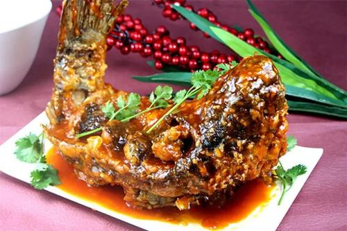 山东济南传统名菜——糖醋鲤鱼