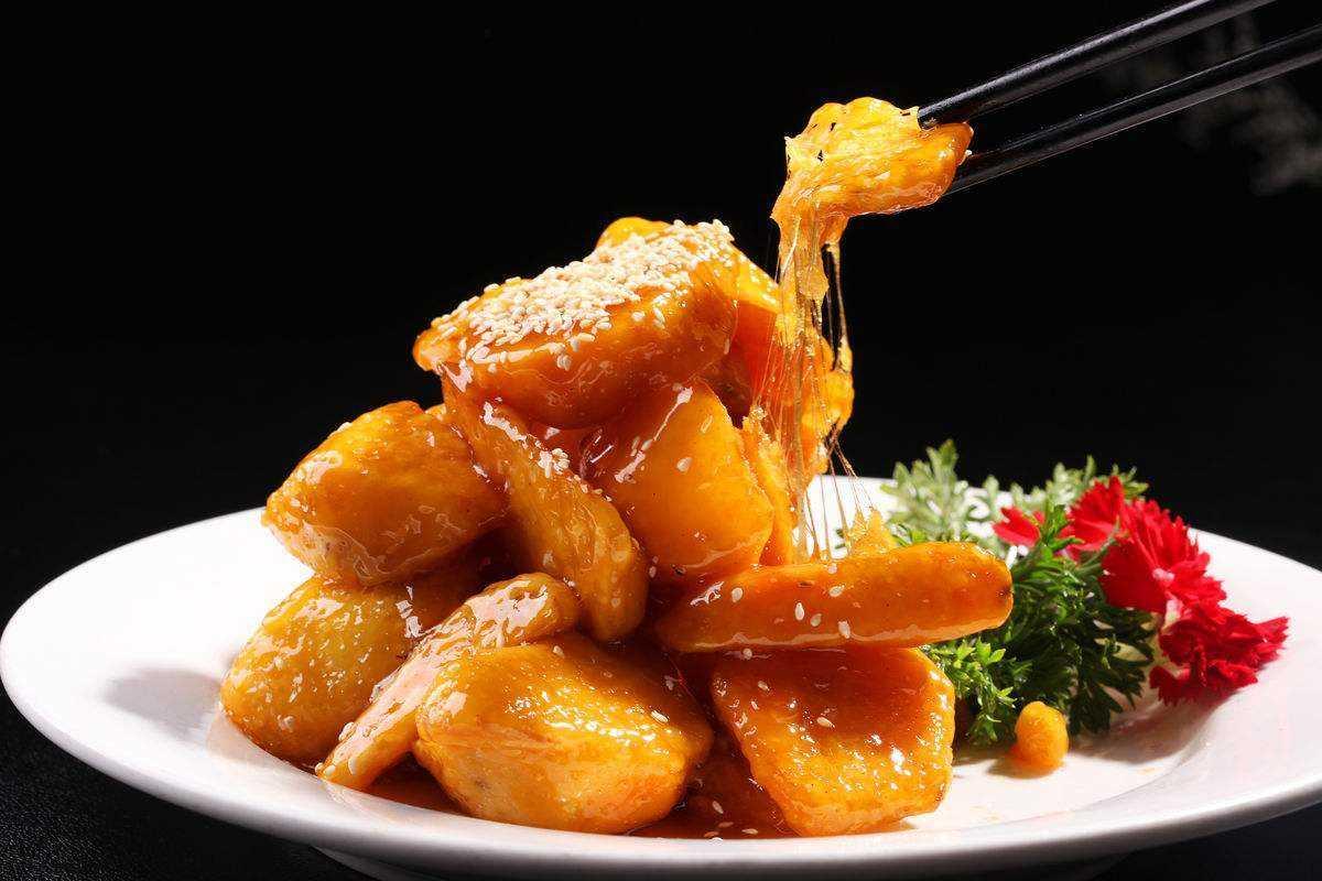 拔丝地瓜又脆又甜,超好吃!