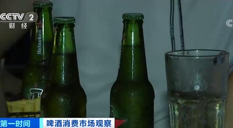 国产啤酒纷纷试水中高端产品 缓解产销量下滑局面
